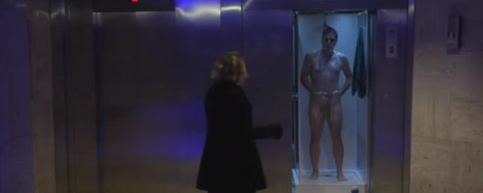 naked-guy-prank